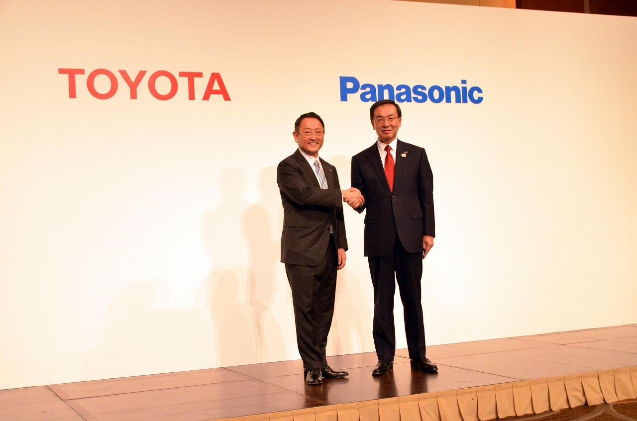トヨタとパナソニック、車載用角型電池の協業検討を開始、2030年までに全世界で550万台の電動車両を販売