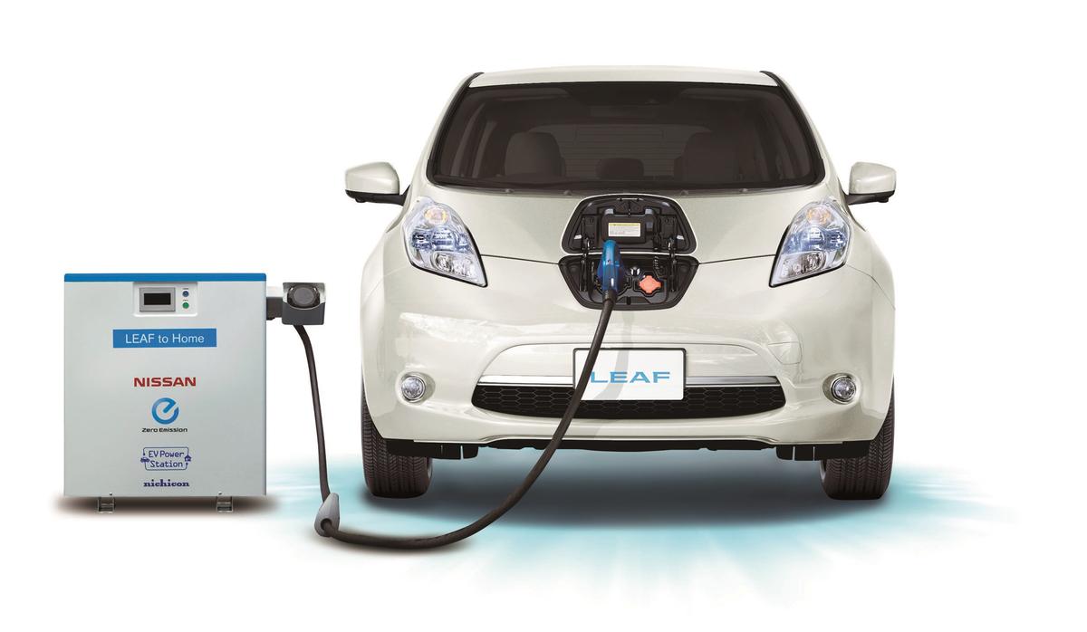 日産、電気自動車「リーフ」が世界遺産・元離宮二条城での桜のライトアップに電力供給