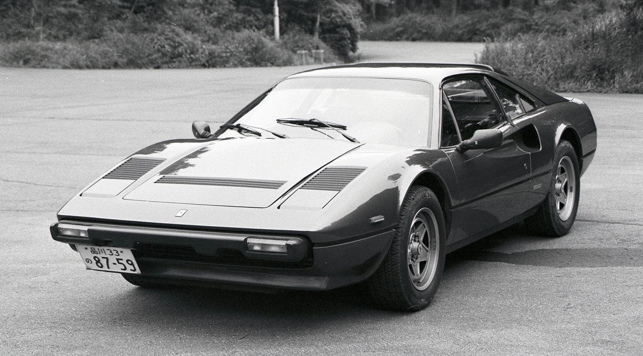 【車屋四六】フェラーリ308GTBクワトロバルボーレ