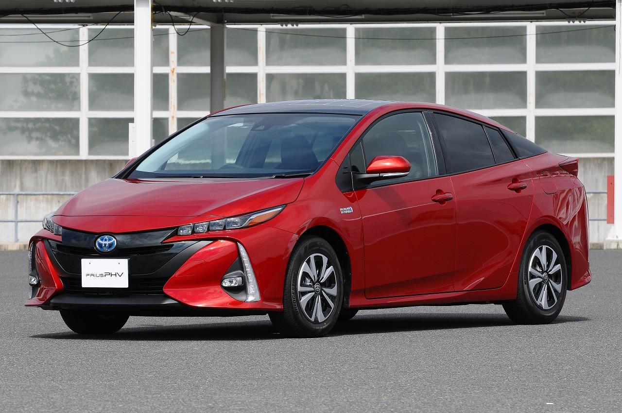 トヨタ、今冬発売が予定されているプリウスPHVの新技術を発表